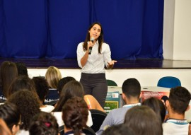 see palestra sobre o fim da violencia contra a mulher 7 270x191 - Palestra em escola estadual aborda o fim da violência contra a mulher