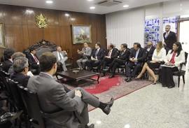 ligia reunida com senado foto comunicacao do senado 270x183 - Lígia e governadores do Norte e Nordeste reforçam pedido de recursos emergenciais em Brasília