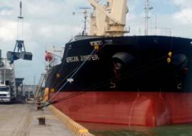 navios porto de cabedelo 1 270x191 - Paraíba exporta 13 mil toneladas de ilmenita de Mataraca para Holanda