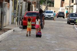 pavimentaçao da comunidade sao luiz no bessa foto francisco frança secom pb 1 270x180 - Ricardo entrega obras de drenagem e pavimentação de ruas no Bessa