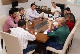 ricardo com professores foto francisco frança secom pb 5 270x183 - Ricardo se reúne com diretoria do Sintep-PB e discute pleitos da categoria