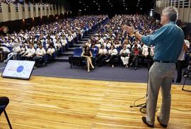 ricardo em giramundo brasil e canada foto 12 270x183 - Ricardo participa da solenidade de pré-embarque dos selecionados no Programa Gira Mundo