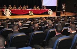 21 09 16 ricardo aula policial fotos Alberi Pontes7 2 270x172 - Ricardo ministra aula magna do Curso de Formação de Soldados da Polícia Militar
