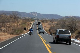 RICARDO ESTRADA CATOLE FOTOS ALBERI PONTES 3 270x180 - Ricardo inaugura 103ª rodovia e beneficia 50 mil habitantes da região de Catolé do Rocha