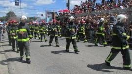 desfile bombeiros5 270x151 - Público elogia e aplaude Corpo de Bombeiros durante desfile de 7 de setembro
