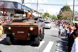 ligia e general desfile foto walter rafael 3 270x183 - Vice-governadora participa de desfile de 7 de setembro em João Pessoa