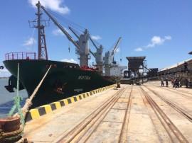 porto de cabedelo operacao milho foto joselio carneiro 4 270x202 - Porto de Cabedelo volta a receber carga de milho após 10 anos