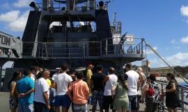 visita navio1 270x162 - Centenas de pessoas visitam rebocador da Marinha no Porto de Cabedelo