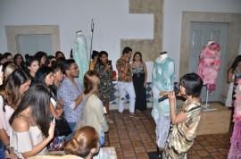 web fernanda moda 08 270x178 - Estilista Fernanda Yamamoto abre exposição com rendeiras paraibanas durante Congresso Nacional de Moda