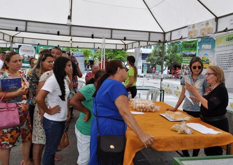 19-10-16 Semana da Alimentação no Ponto de Cem Reis - Foto- Alberto Machado  (15)