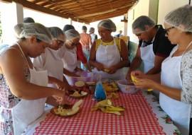 emater acoes sobre seguranca alimentar e nutricional no estado 5 270x191 - Gestão Unificada encerra mês de outubro com ações sobre segurança alimentar e nutricional no Estado