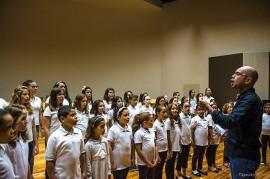 ensaio coro infantil 270x179 - Orquestra e Coro Infantil da Paraíba apresentam concerto comemorativo ao Dia das Crianças no Espaço Cultural