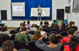 Delmer Rodrigues 4 270x175 - Revisão final do PBVest atrai estudantes para aulas presenciais em João Pessoa, Campina Grande e Patos