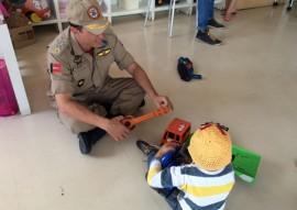 bomberios com crianças com cancer 2 270x191 - Bombeiros participam de ação social para crianças com câncer