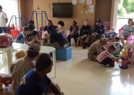 bomberios com crianças com cancer 4 270x191 - Bombeiros participam de ação social para crianças com câncer