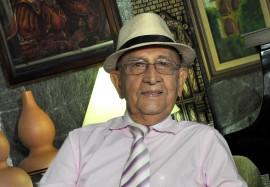 carlos romero 270x187 - Fundação Casa de José Américo promove lançamento de livro e exposição de telas