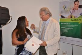 entrega certificado mais capacita foto vanivaldo ferreira 111 270x183 - Programa Mais Capacitação forma os primeiros 200 alunos em Gestão Pública