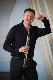 fotojavier 180x270 - Orquestra Sinfônica da Paraíba apresenta concerto com clarinetista espanhol Javier Llopis como solista