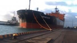 navio 270x151 - Dois navios atracam no Porto de Cabedelo com mais de 33 mil t de derivados de petróleo