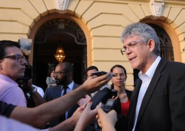 ricardo encontro de governadores em pernambuco foto jose marques 2 270x191 - Ricardo defende autonomia dos Estados durante reunião de governadores do Nordeste