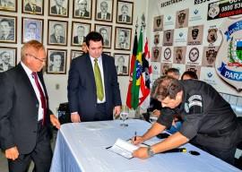 seap posse diretor foto walter rafael 2 270x192 - Governo dá posse ao novo gerente do Sistema Penitenciário e entrega novas viaturas