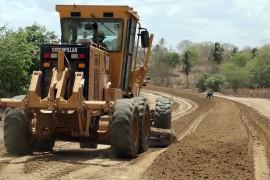 gurinhem estrada foto francisco frança secom pb 2 270x180 - Gurinhém e Alagoinha: Ricardo autoriza obras e inaugura escolas