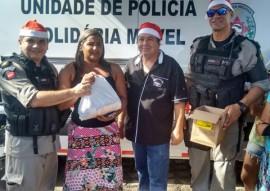 policia arrecada 21 toneladas de alimentos e distribui operacao boas festas 4 270x191 - Polícia arrecada 21 toneladas de alimentos e distribui em comunidades carentes