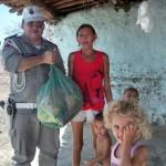 policia arrecada 21 toneladas de alimentos e distribui operacao boas festas (5)