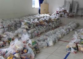 policia arrecada 21 toneladas de alimentos e distribui operacao boas festas 7 270x191 - Polícia arrecada 21 toneladas de alimentos e distribui em comunidades carentes