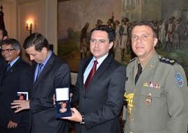 policia militar condecora com medalhas foto vanivaldo ferreira 165 270x191 - Casa Militar do Governo completa 59 anos e homenageia civis e militares