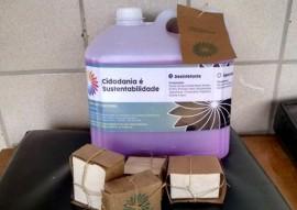 seap entrega de material de limpesa na vila vicentina 3 270x191 - Seap entrega materiais de limpeza produzidos pelos reeducandos à Vila Vicentina