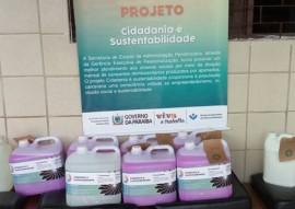 seap entrega de material de limpesa na vila vicentina 4 270x191 - Seap entrega materiais de limpeza produzidos pelos reeducandos à Vila Vicentina