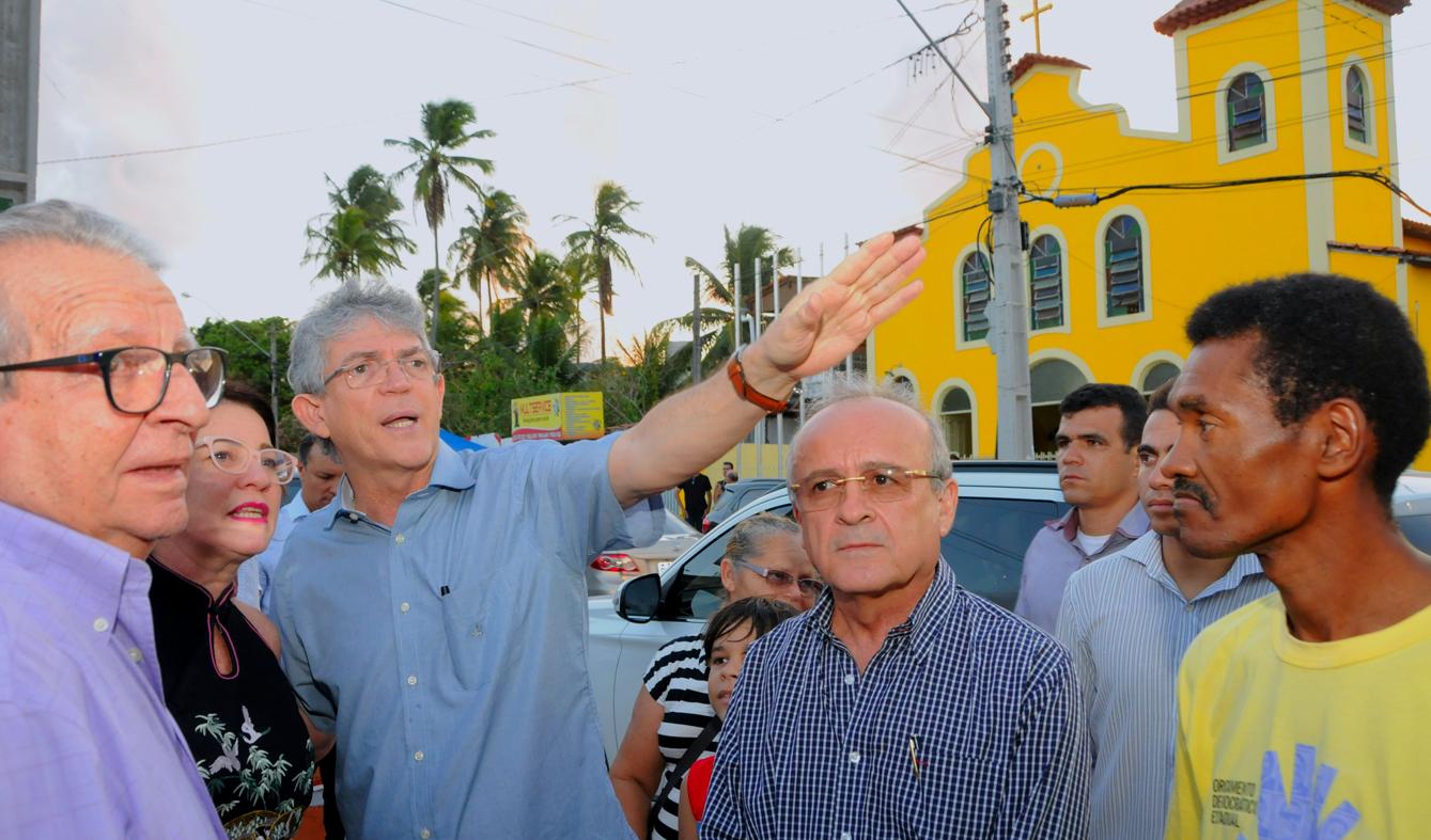 Jacumã faz festa para Ricardo Coutinho que autoriza pavimentação dos acessos às praias da região