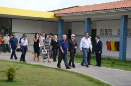 Governador Marcos visita escola Mestre Sivuca  05 01 17 1 270x178 - Governador em exercício visita Escola Mestre Sivuca e é informado sobre matrículas na rede estadual