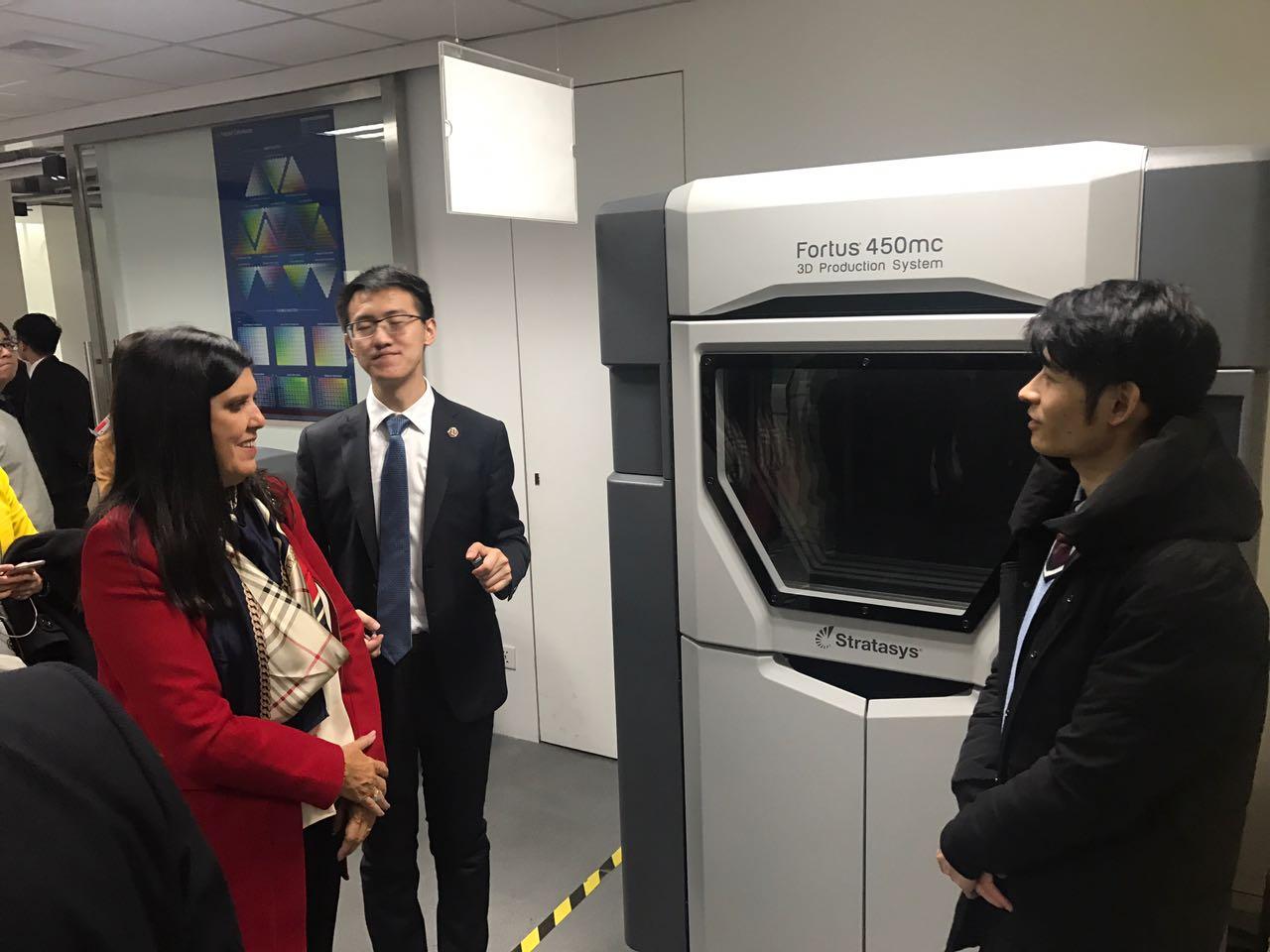 Lígia visita fábrica de impressora 3D