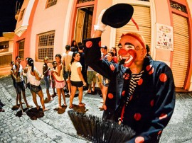 o circo do cara de clown1 270x202 - Circuito Cardume tem 'Lebensform' 'Alegria de náufragos', 'Anfêmero' e 'O circo do cara de clown'
