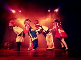 saltimbanco4 270x202 - Circuito Cardume chega à última semana com cinco espetáculos de teatro e dança