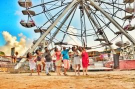 banda meu quintal2 270x178 - Banda Meu Quintal apresenta o show Roda Gigante no projeto Cambada