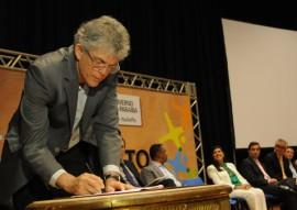 ricardo assina pacto social foto jose marques 4 270x191 - Ricardo lança Pacto pelo Desenvolvimento Social 2017 com foco na melhoria da educação paraibana
