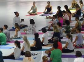 yoga aulão espaço 2 270x202 - Funesc e Espaço Arte Yoga reafirmam parceria e realizam aulão gratuito no Espaço Cultural
