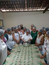 31.03.17 Emater 1 202x270 - Agricultoras participam de curso sobre manipulação de alimentos
