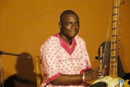 Adama Keita FB IMG 1486762337635 270x180 - Edição especial do projeto 'Música do Mundo' traz artista maliense em parceria com Aliança Francesa