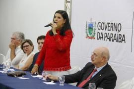 MG 0459 270x180 - Vice-governadora assina adesão ao Programa Criança Feliz