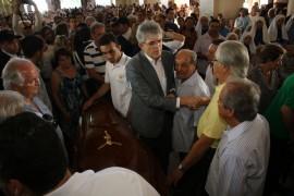 velorio Foto Francisco Franca 270x180 - Ricardo participa de velório do Arcebispo Emérito da Paraíba, Dom Marcelo Carvalheira