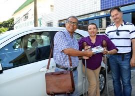 12 05 2017 Entrega do carro da Vila Vicentina fotos Luciana Bessa 16 270x191 - Governo do Estado entrega novo veículo para Abrigo Vila Vicentina
