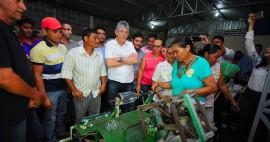 CONGO2 270x142 - No Congo: Ricardo entrega equipamentos e beneficia famílias do Cariri