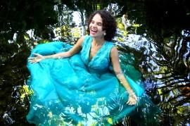 Regina Limeira foto Dávila Andrade 270x179 - Regina Limeira faz show de estreia do álbum 'No Ventre da Mata' no projeto Cambada