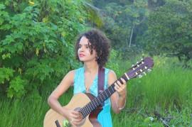 Regina Limeira2 foto Dávila Andrade 270x179 - Regina Limeira faz show de estreia do álbum 'No Ventre da Mata' no projeto Cambada