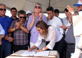 SAO VICENTE ´PREFEITA autorizacao de adutora foto jose marques 11 270x191 - Ricardo autoriza licitação da adutora TransParaíba durante Caravana do Curimataú
