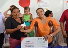 sedh cartao alimentacao e filtros em inga fotos Luciana Bessa 4 270x191 - Governo entrega Cartão Alimentação e filtros cerâmicos para famílias de Ingá